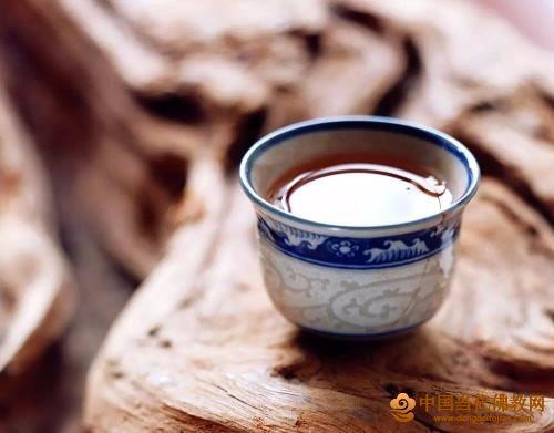 关于中庸、和谐与茶道